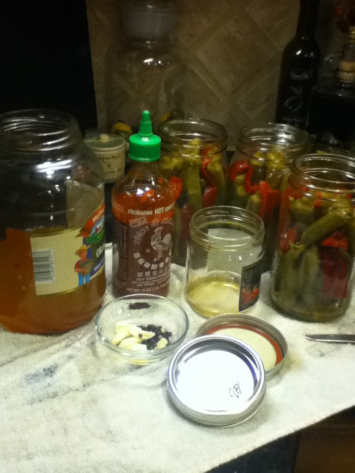 Sriracha Pickled Okra and Peppers***Thinking red and green:) Going to ...
