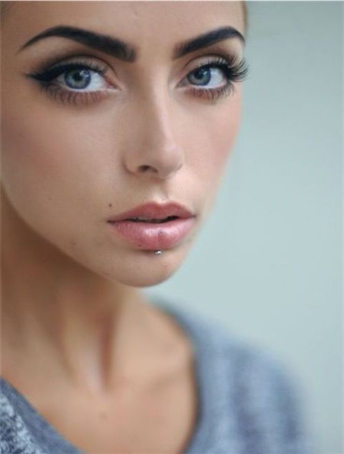 40 Amazingly Unique Labret Piercings for You!    Labret piercings are a mark of dedication and endurance, thanks to the excessive care and self-control needed to wear jewelry on the lower lip! Only the...