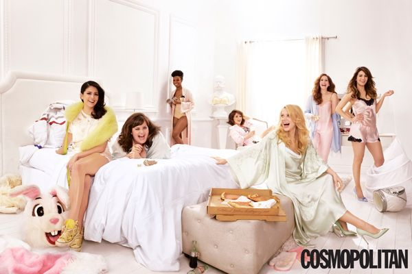 This Photoshoot With SNL's Female Cast Feels A Bit...Off #refinery29