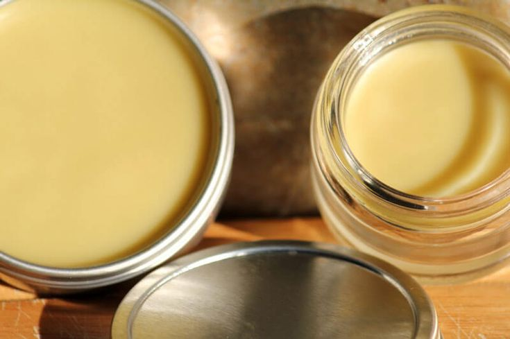 You go to change your baby's diaper and there is an ugly, bright red, bumpy rash. Here's a homemade DIY Soothing Tooshie Salve (works for YOUR skin, too)!
