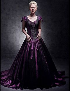 TS Couture® Formal Evening / Quinceanera / Sweet 16 Dress - Grape Plus Sizes / Petite Ball Gown / A-line / Princess V-neck Court Train Taffeta