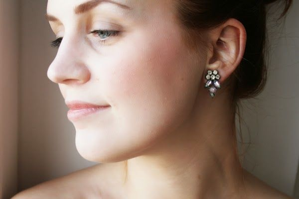 Pearls & Scissors: DIY Rhinestone Ear Cuff (from an old necklace)