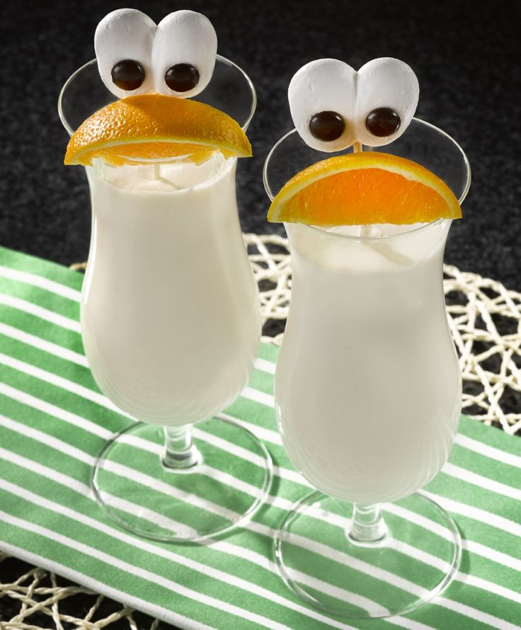 These Fanta Piña Ghouladas are as much fun to say as they are to serve up. The great tropical taste of Fanta Pineapple makes this ghoulish treat devilishly delicious, and spooky meringue eyes add to the fun and the spirit of the season.