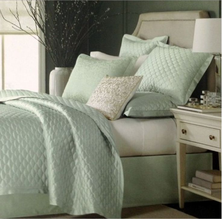 Martha Stewart Trousseau Cirque Quilted King Size Coverlet