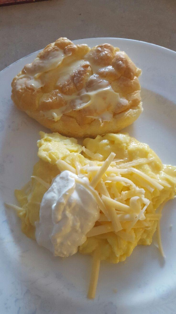 Eggs, cloud bread