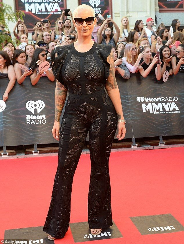 Amber Rose gushes Iggy Azalea can now 'be a hoe' following split