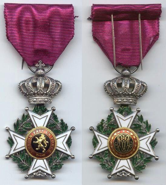 Order of Leopold (civil), Knight's breast badge.