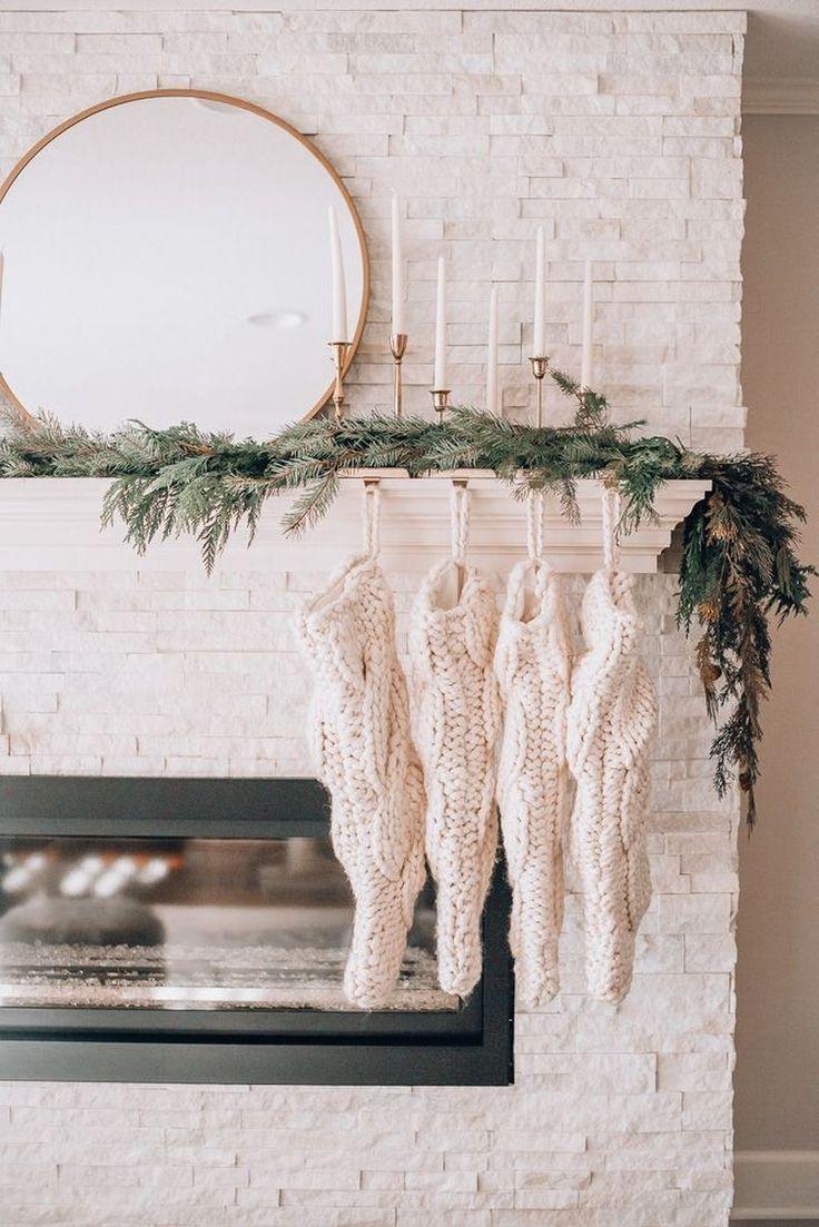 30 Pretty Scandinavian Style For Christmas Decoration Ideas Minimalist Christmas Decor Indoor Christmas Decorations Minimalist Christmas