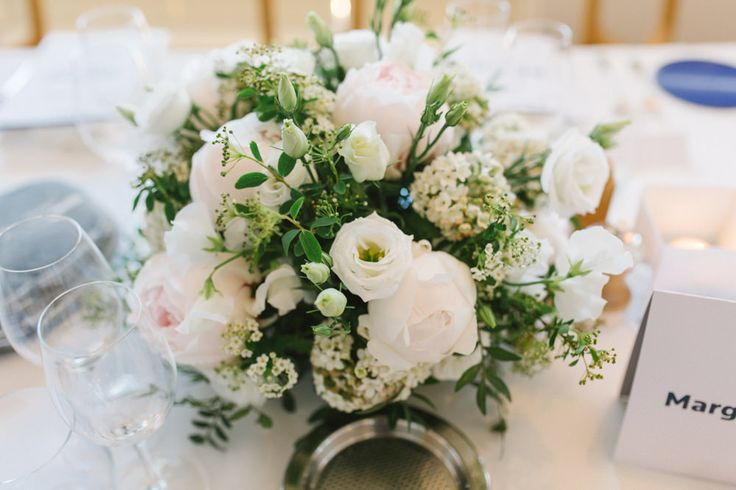 Centre de table- Bouquet Blanc- ©Alex Tome Photography
