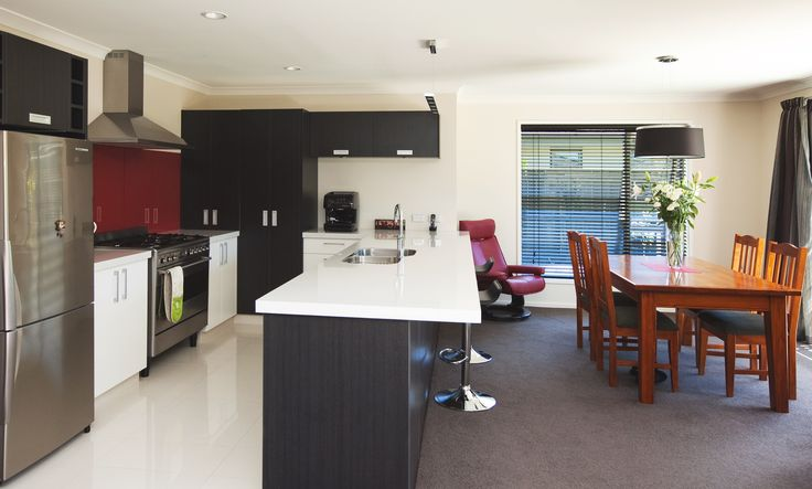 A standout kitchen with blocks of colour and modern touches