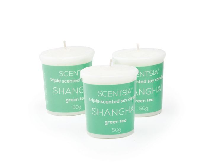 SHANGHAI (Green Tea) - Triple scented soy votive candles by Scentsia // Relax in the tranquillity of a Shanghai tea house with a delicate blend of green tea and ylang ylang gently stirred with bergamot