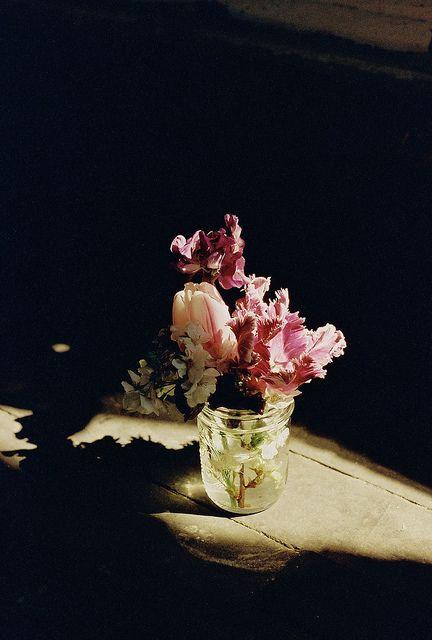 floral by hannah & landon metz.Beautiful Flower, Art Inspiration, Floral Bi, Bouquets, Tables Flower, Flower Pots, Mason Jars, Jars Lights, Cut Flower