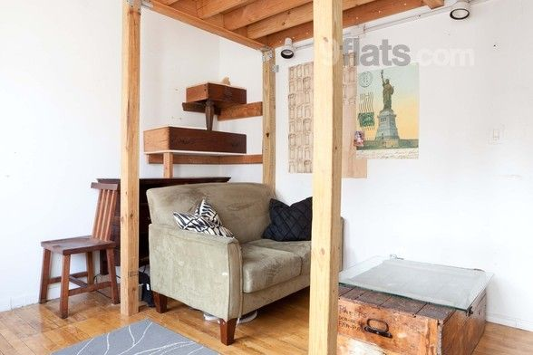 Book Family-friendly Apartment with Balcony/Lift/Air conditioning in New York City-Clinton Hl from R962 at 9flats.com