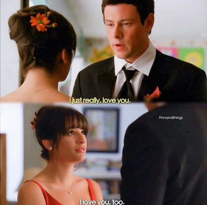 Who was finn dating in glee