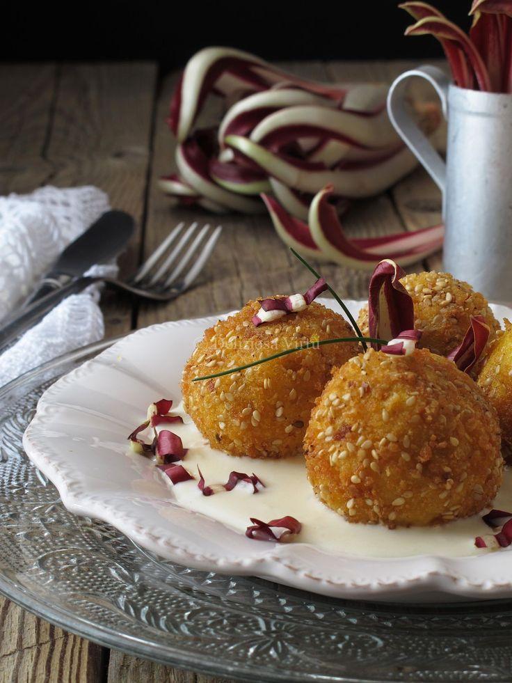 Crocchette di polenta con radicchio e salsa di gorgonzola