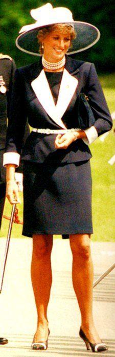 Hello Magazine 1995 - & - The Light Dragoons Regiment en Germany _ 22 juillet 1995 - Suite  CMFB