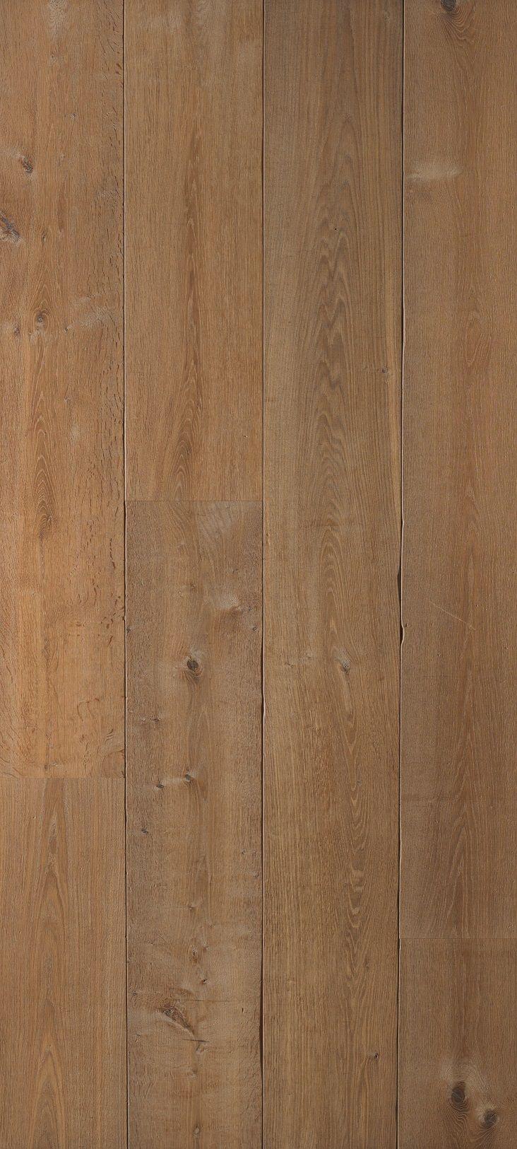 Old Floor collectie eiken duoplank ROCKINGHAM  Afwerking: getrommeld, hand gekapte velling, gerookt en wit geolied. 26 cm breed