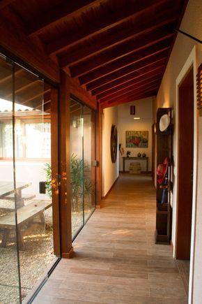 Casa de Praia : Corredores, halls e escadas rústicos por Espaço do Traço arquitetura