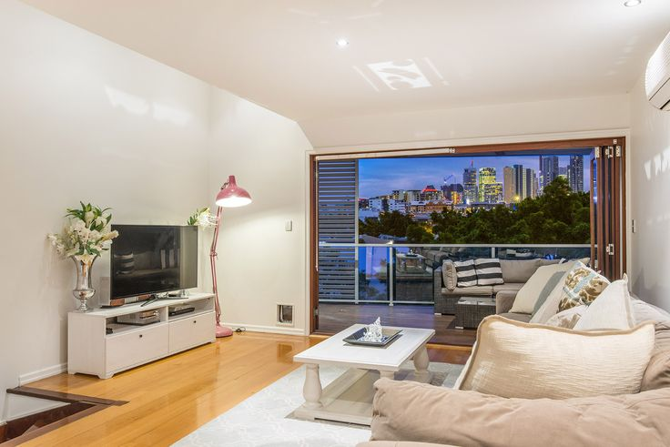 FORTITUDE VALLEY 3/24 Wandoo Street...Embracing every facet of inner city, contemporary living, this two storey apartment boasts spectacular city views, architectural design and a superbly appointed interior.