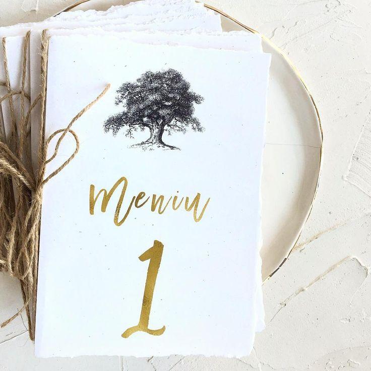 © PAPIRA invitatii de nunta personalizate // Trust us, the inside looks as good as the outside - simple and tasteful. // #papiradesign #papirainvitations #invitatiidenunta #invitatiinunta #weddinginvitations   🍽