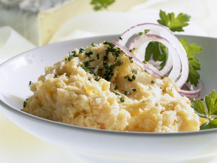 Dieser französische Käse ist auch in cremiger Form köstlich! Camembert-Aufstrich auf fränkische Art - smarter - Zeit: 15 Min. | eatsmarter.de