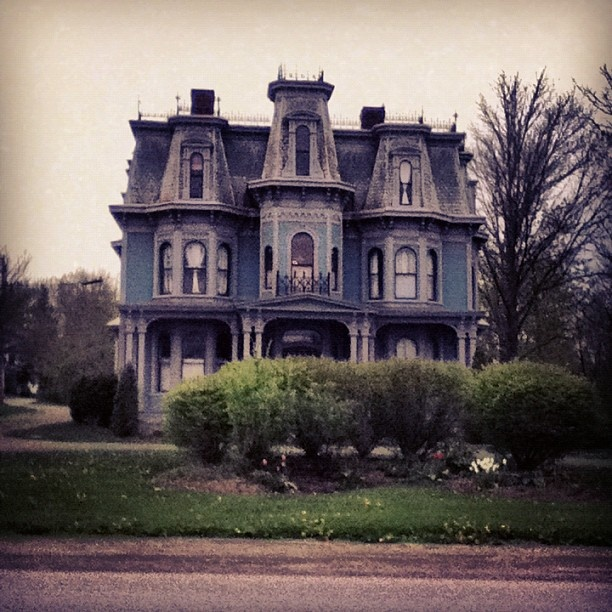 84 best images about victorian mansions, tudor,storybook houses ...