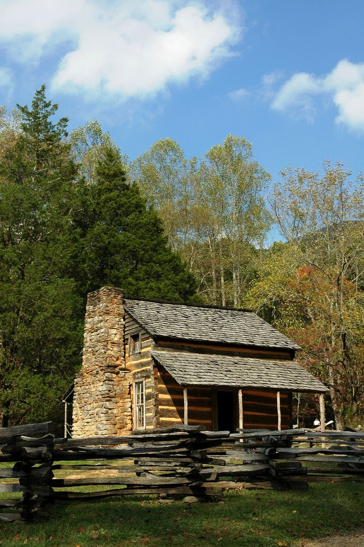 Cades Cove cabin in the Smoky Mountains