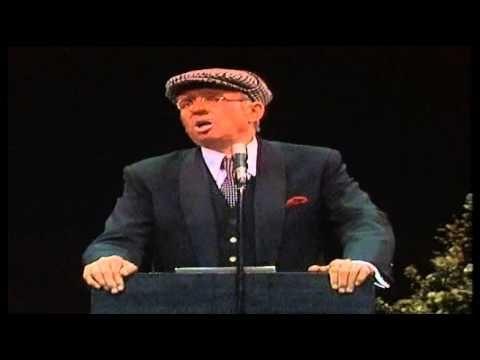 ▶ Toon Hermans De voorzitter van 'Ons genoegen' (1980) - YouTube