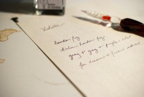 """""""londra'ın dumanı"""" (fumo di londra) diye mürekkep ismi mi olur? olursa biz de alırız hemen..."""