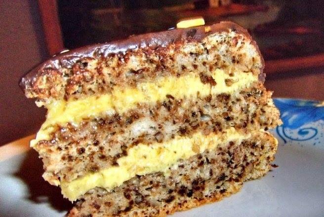 Rețeta pentru cel mai bun Tort cu nucă: crema este pur și simplu demențială