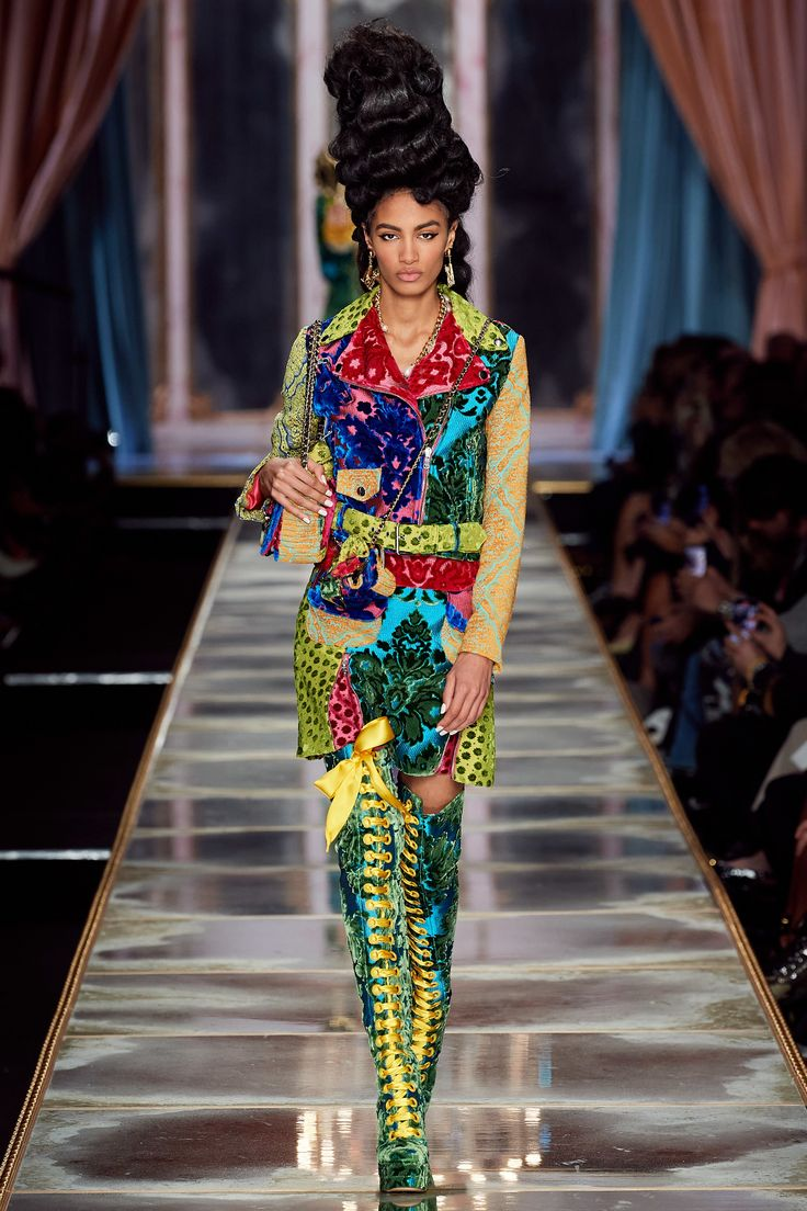 Moschino Fall 2020 ReadytoWear Collection Vogue in