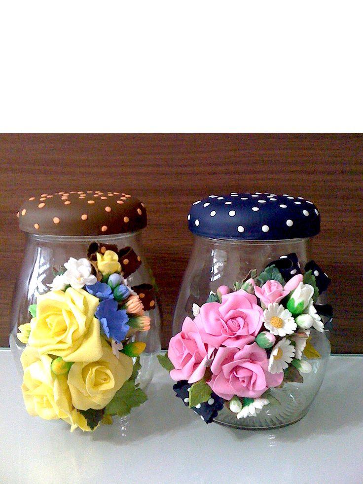 potes para biscoitos decorados com flores biscuit.