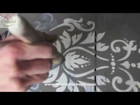Tutorial: Decora un mueble atemporal, color turquesa con efecto metálico y acabado Chalky - YouTube