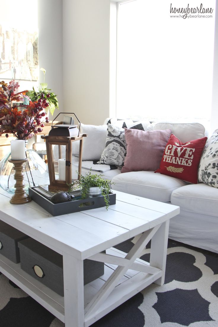Simple Dining Room Decor For A Transitional Season: Best 25+ Fall Living Room Ideas On Pinterest