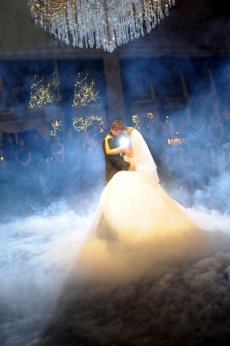 憧れの世界観♡美女と野獣をテーマに結婚式を挙げる4つのポイント*にて紹介している画像