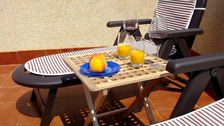 Wino, świeżo wyciskany  sok i owoce i słońce!
