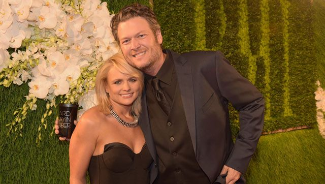 Miranda Lambert and Blake Shelton Kiss and Make a Statement