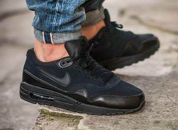 air max one essential noir