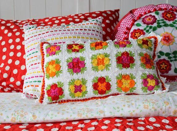 MADELIEF: Granny square cushion. Free crochet pattern on my blog (Dutch). By Handwerkjuffie.