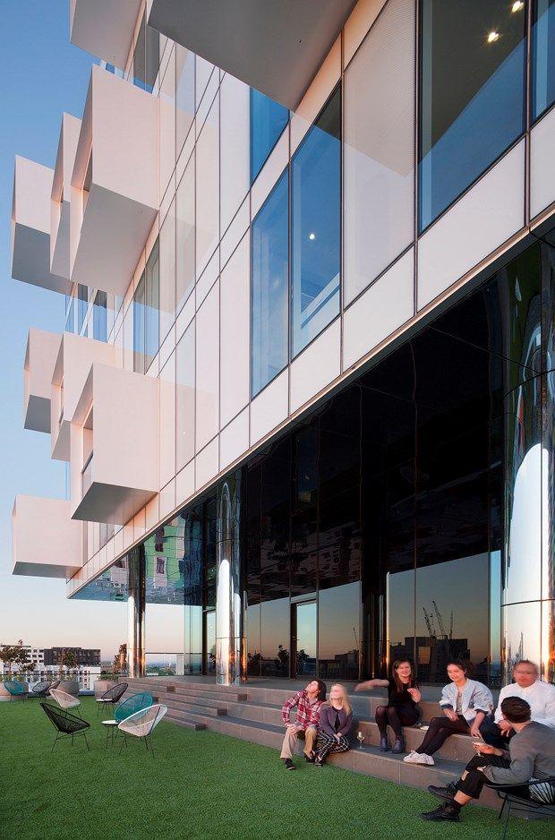 Голова в облаках: новый Джексон Клементс Берроуз здание парит над оживленной улицей | Архитектура и дизайн