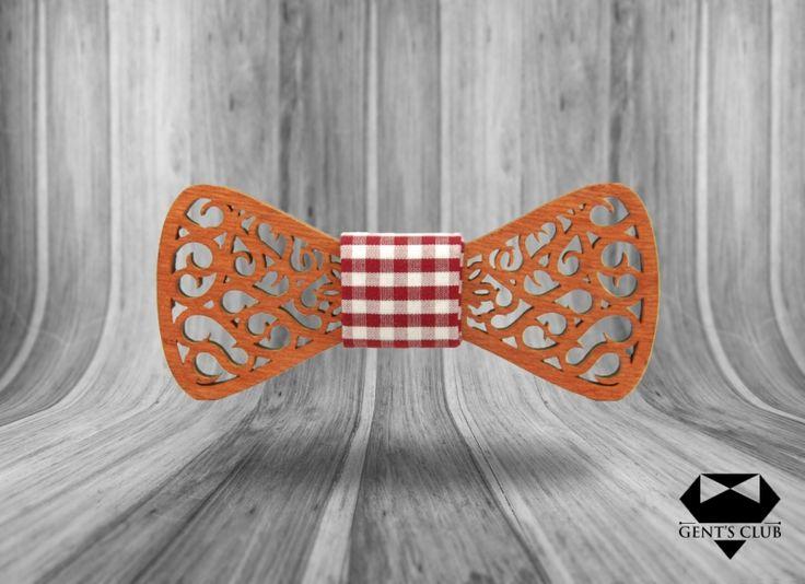 Accessories for gentlemen. Gent's Club brand Wood bowtie - papion lemn www.gents-club.ro
