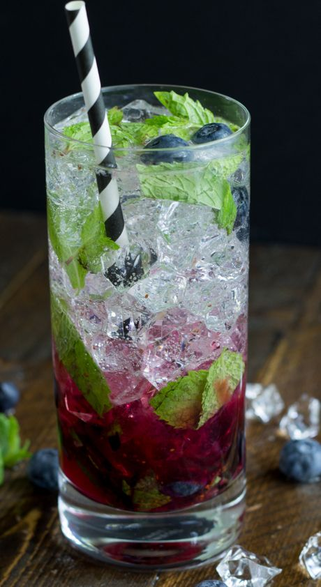 #mojito #rum #blueberries #cocktail