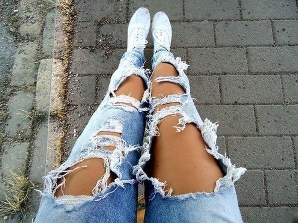 Купить рваные джинсы за 2 тыс