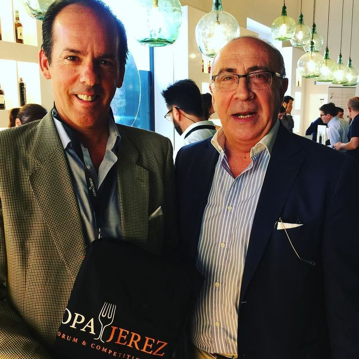 Our amigos from Gonzalez Byass Jose Argudo Marketing boss & their legendary winemaker Antonio Flores arriving to the first ever Copa Jerez gastronomy Forum in Jerez!  #copajerez #jerez #gastronomy #sherry #sherrylover #tiopepe @tiopepewine