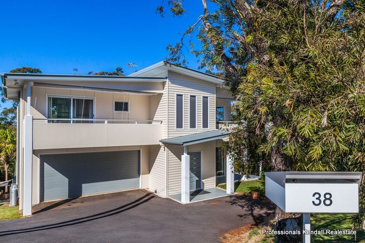 Spectacular Residence 33 Coomera Gorge Dr, Mount Tamborine Views! Light filled architect designed home Spacious living area with large entertainment deck http://bit.ly/1HVjJmE