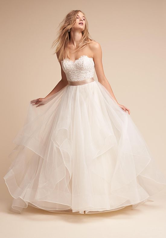 BHLDN wedding dress | https://trib.al/C1zFJ80