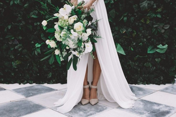 Modern green and white bouquet