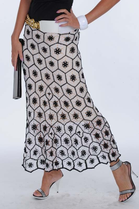 free pattern chart - Hexagon Motif Skirt - chart uses Russian symbols which are slightly different from Int'l Symbols, but it's easy to figure out; note the jude lining & diamond motifs for increasing; for fuller skirt add more diamonds and/or use larger hooks for lower motifs