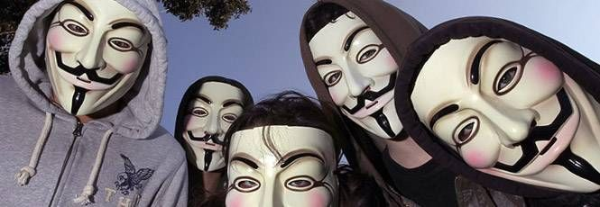 O FBI alega que os grandes ataques coordenados e executados pelo coletivohackerAnonymous chegaram ao fim por conta da prisão de membros centrais do grupo. A afirmação foi feita por um oficial do Departamento Federal de Investigação norte-americano aoThe Huffington Post.Os hackitivistas do Anonymo
