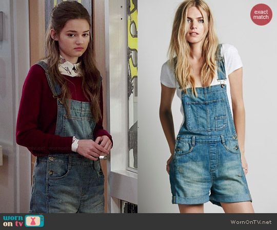 Emma's short denim overalls on Red Band Society.  Outfit Details: http://wornontv.net/45411/ #RedBandSociety